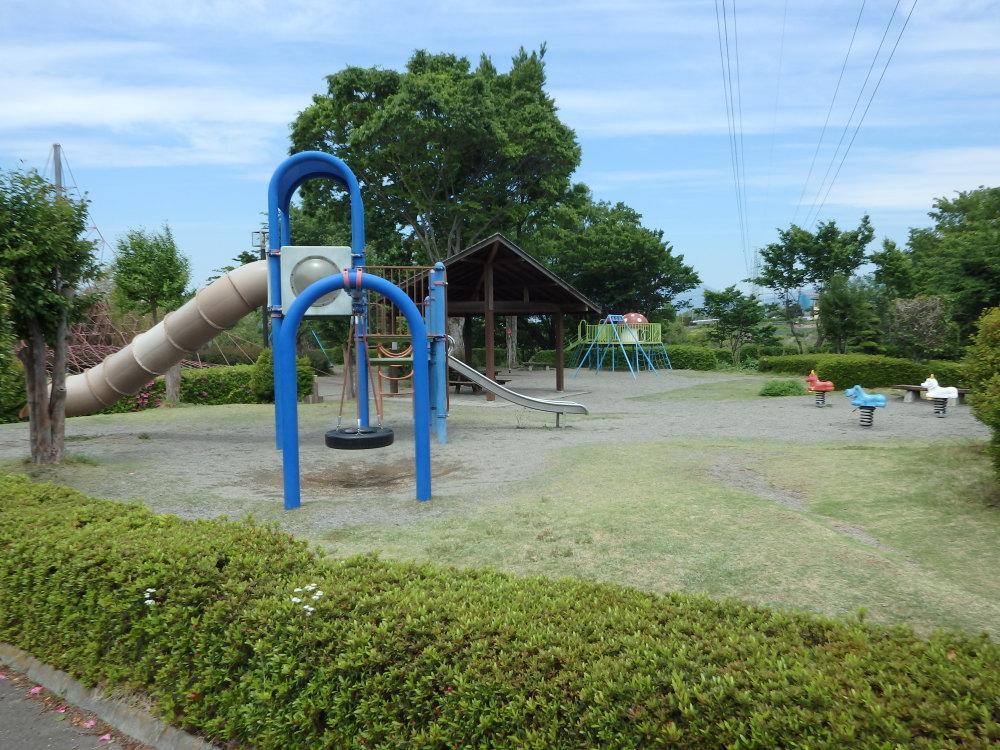 愛宕山ふるさと公園の遊具